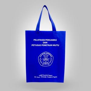 Goodiebag-tas-press-Spunbond-LPMP-Provinsi-Papua